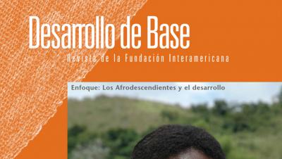 Imagen recortada de la portada de la edición 2007 de la revista Desarrollo de Base de la Fundación Interamericana