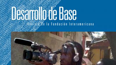 Imagen recortada de la portada de la edición 2010 de la revista Desarrollo de Base de la Fundación Interamericana