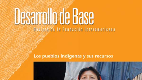 Imagen recortada de la portada de la edición 2012 de la revista Desarrollo de Base de la Fundación Interamericana